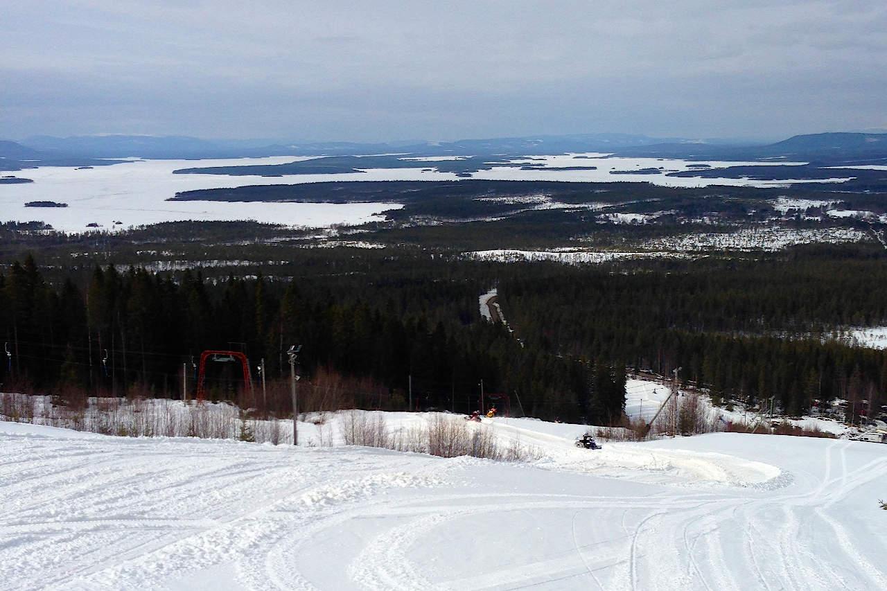 Snöbrist och mildväder kan spoliera hela säsongen i Björnberget