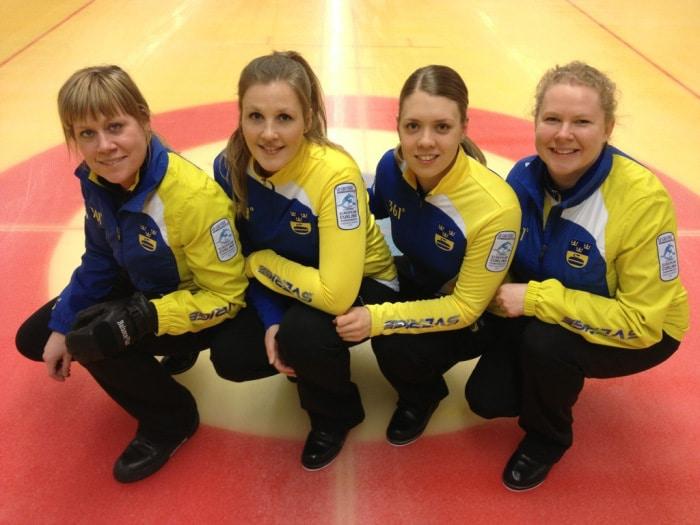 De svenska curlingdamerna mot nya mål