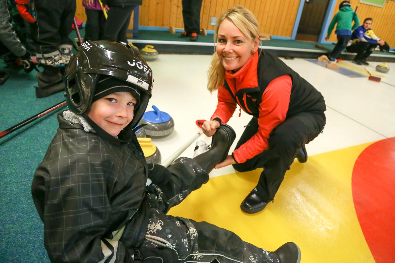Välbesökt när curlingstjärnorna gästade Skoogshallen