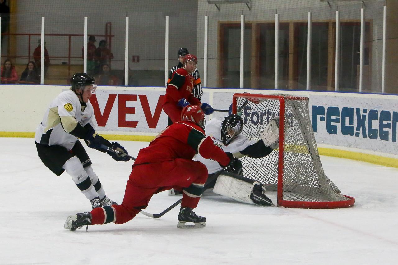 Stefan Olsson stänker in 2-0. Foto: Morgan Grip