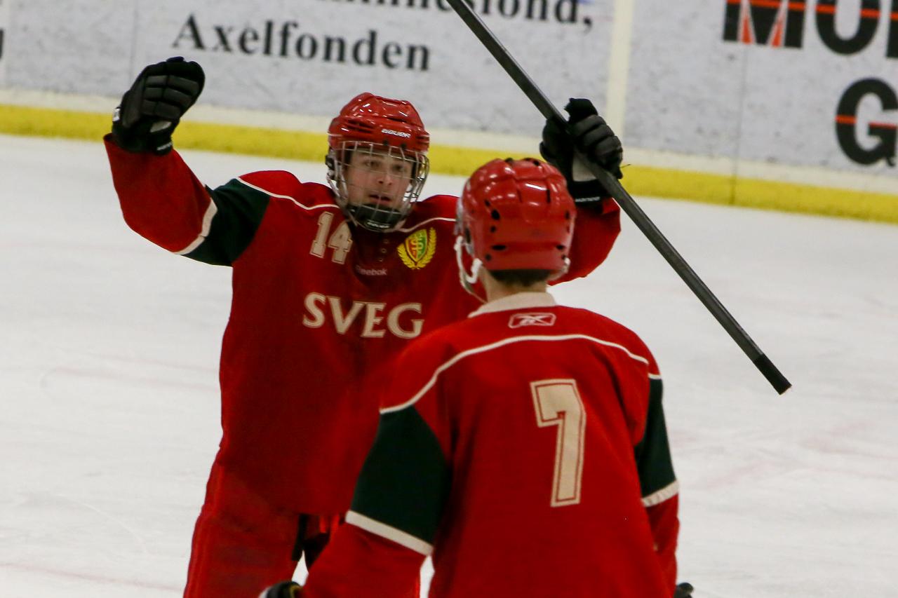 Alexander Woxlin fastställer slutresultatet till 6-3 efter pass från Johan Olofsson. Foto: Morgan Grip