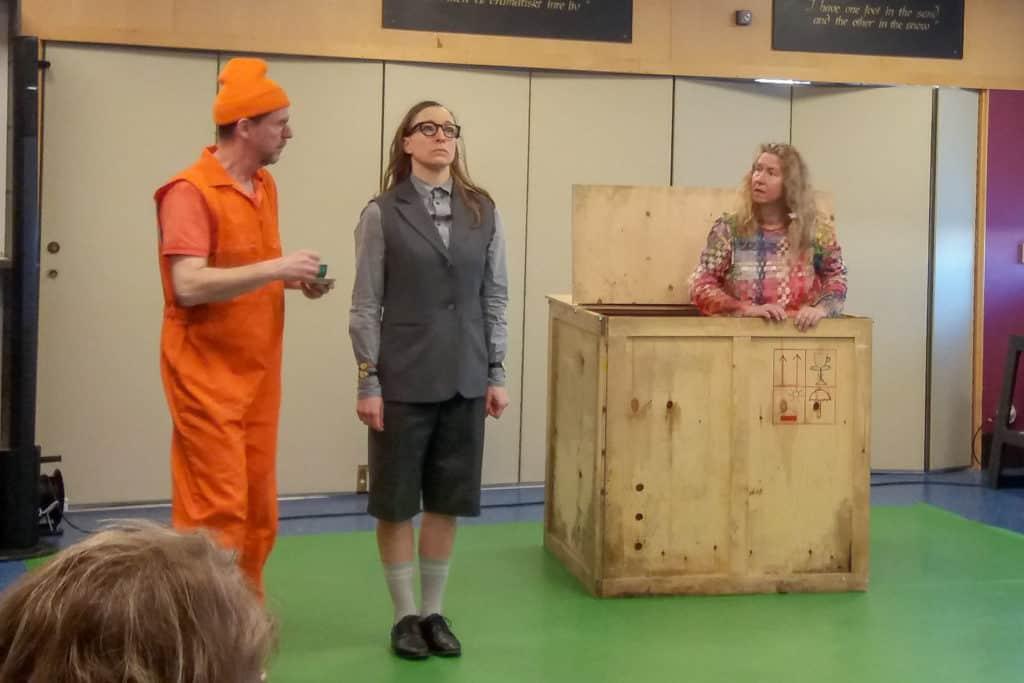 Teater med humor och allvar engagerade förskolebarnen. Foto: Erik Larsson