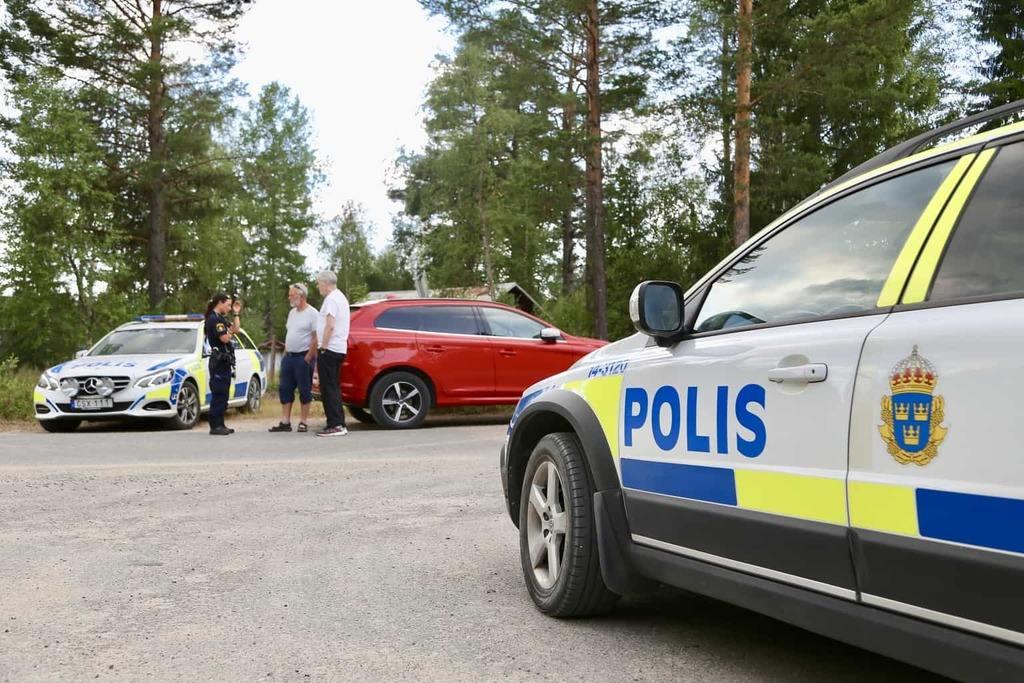 Branden som startade vid Fågelsjö-Lillåsen i söndags, sprider sig nu mot Olingdal och Härjåsjön. Där har de boende under tisdagseftermiddagen evakuerats från sina hem.Foto: Morgan Grip