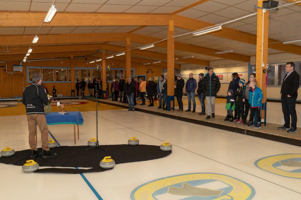 Svegs curlingklubbs investering om 3,5 miljoner kronor i curlinghallen är genomförd och för att fira detbjödman på torsdagen in till ennyinvigningmedöppet hus. Foto: Morgan Grip