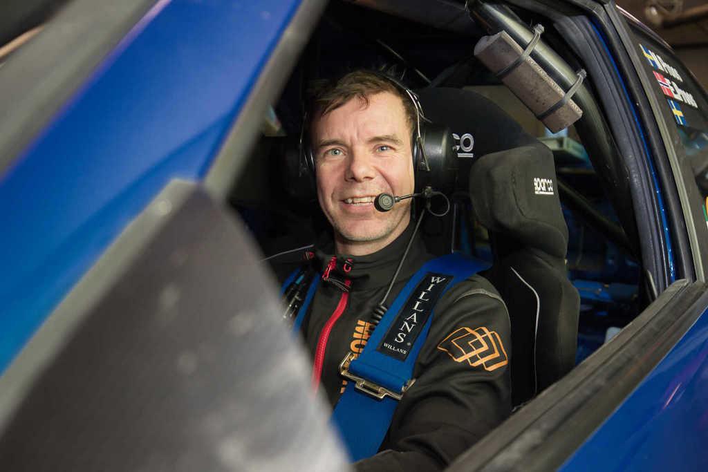 Rallyföraren Magnus Proos gjorde en stark debut som A-förare i helgens rallytävlingar i Ilsbo utanför Hudiksvall. Foto: Morgan Grip