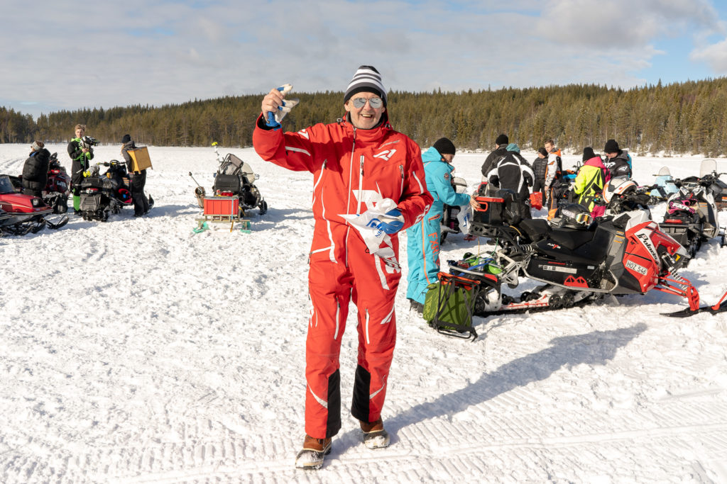 Åke Swanström från Sveg sken ikapp med lördagssolen på Nordsjön i Ytterberg. Foto: Morgan Grip