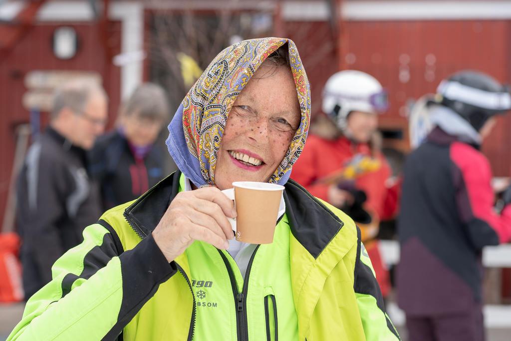 Långfredag i Björnberget – Påskkärringar och hastighetstävlingar