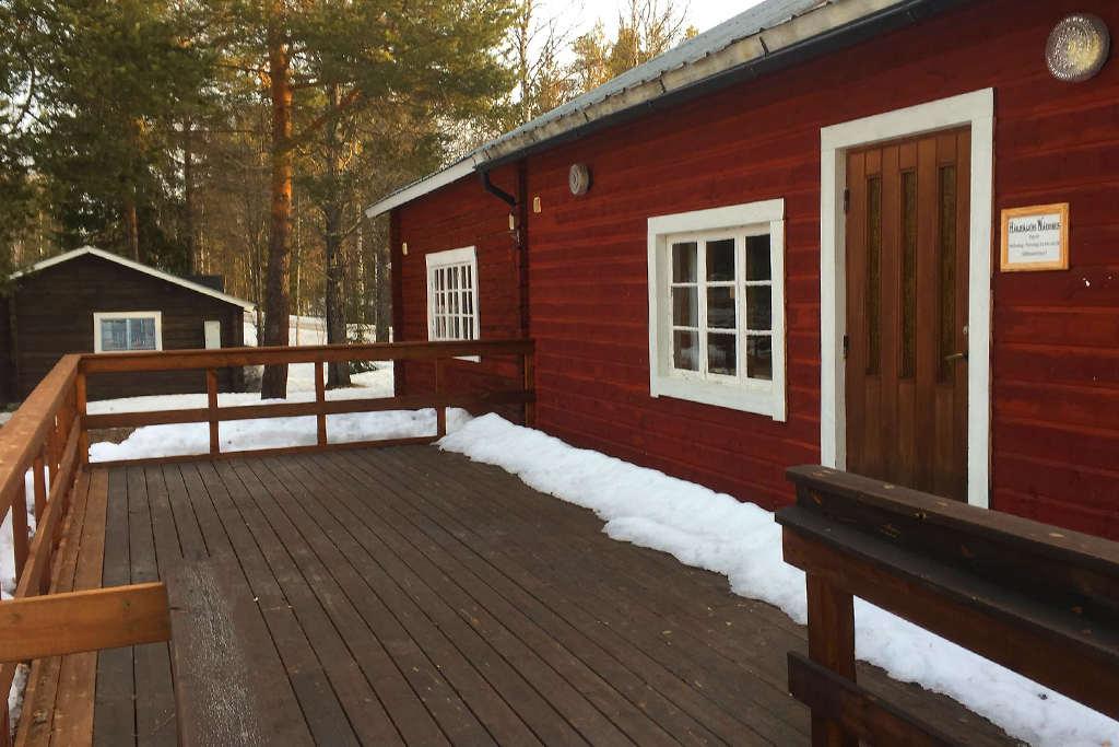 Kommunen säljer Härjeåsjöns värdshus