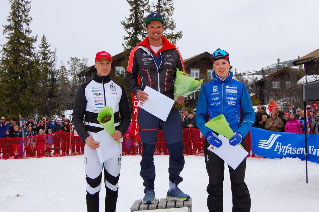 1) Oskar Kardin, Team Ragde Eiendom 1:10:37. 2) Fredrik Andersson, Sollefteå Skidor IF 1:10:53. 3) Max Novak, Offerdals SK 1:12:50. Foto: Pilgrimsloppet