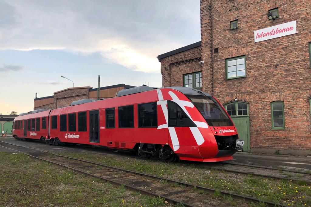 Motorvagn av märket Alstom Lint 41 utanför Lokstallet i Östersund. Foto: Inlandsbanan