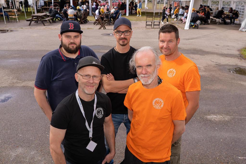 Delar av Björnbergets Alpinas styrelse samlade under lördagseftermiddagen, mitt i årets Björnfest. Alex Boij, Magnus Henningsson, Pasi Lamminniemi, Johnny Fagerström och Martin Hallén.
