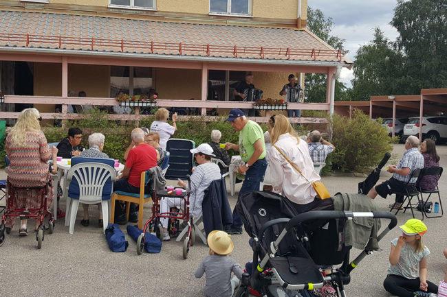 Fjällhälsan i Lillhärdal invigdes med musik och fika