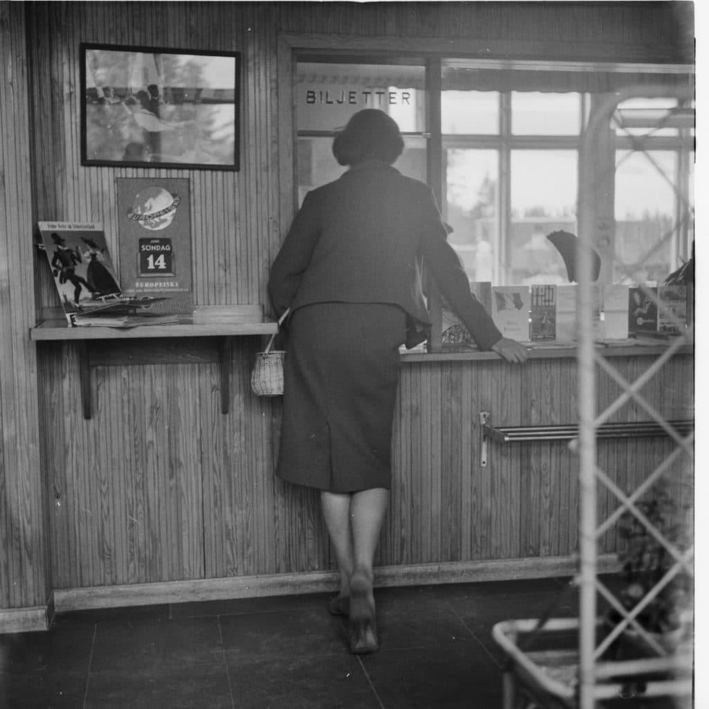 Biljettexpeditionen där tågbiljetter kunde köpas eller få information om avgångs- och ankomsttider. Foto: Mats Widén