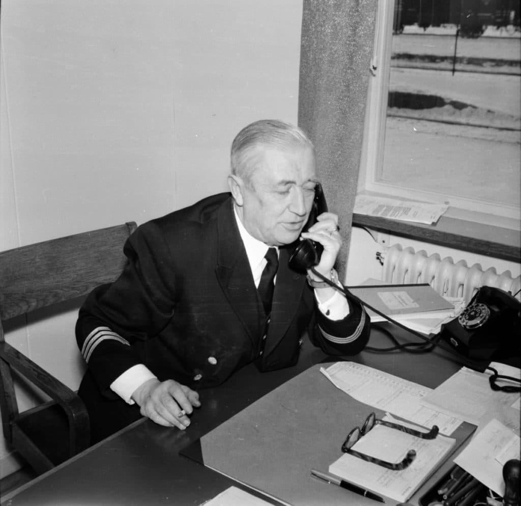 Stinsen i Sveg, Herbert Lundqvist (1900-1963) som formellt titulerades stationsinspektor. Foto: Privat