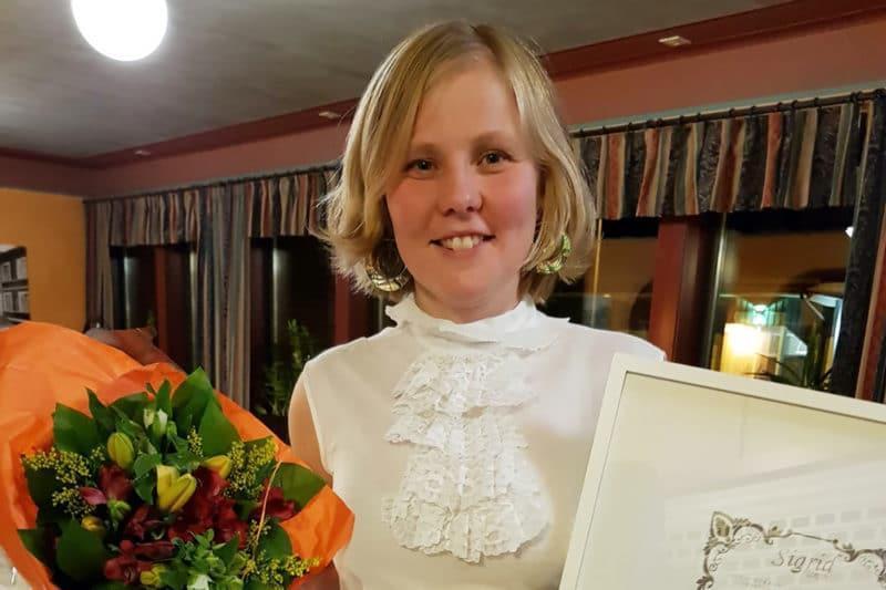 Ann-Mari Darj, boende i Östersund och bördig från Sundsätt, tog under Företagargalan emot stipendiet från Sigrid Strands fond för kvinnliga uppfinnare på 30 000 kronor. Foto: Privat