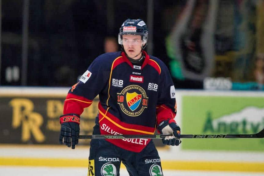 Högström stängs av i fyra matcher efter knytnävsslag