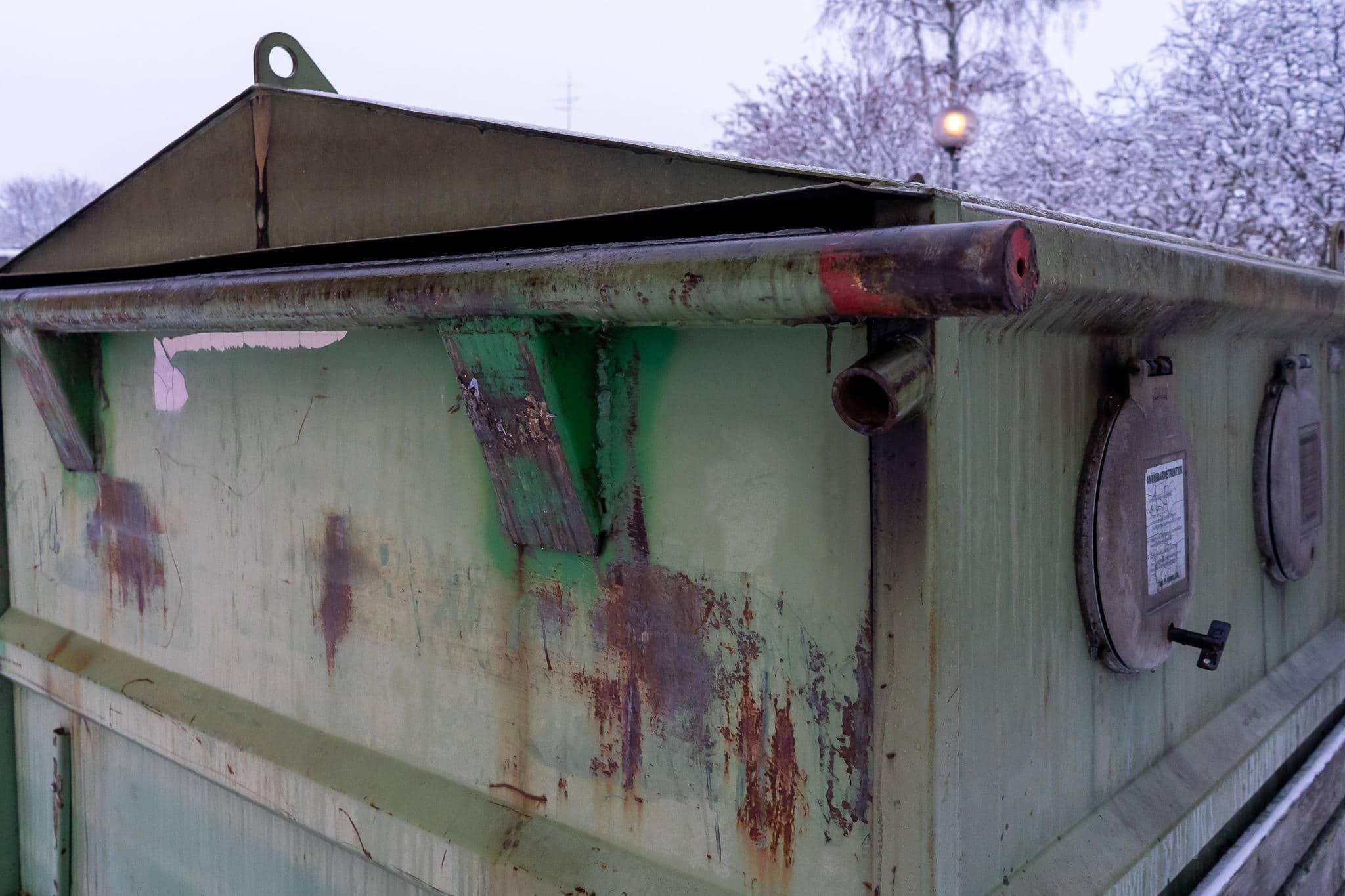 Flera anlagda bränder i container i Sveg