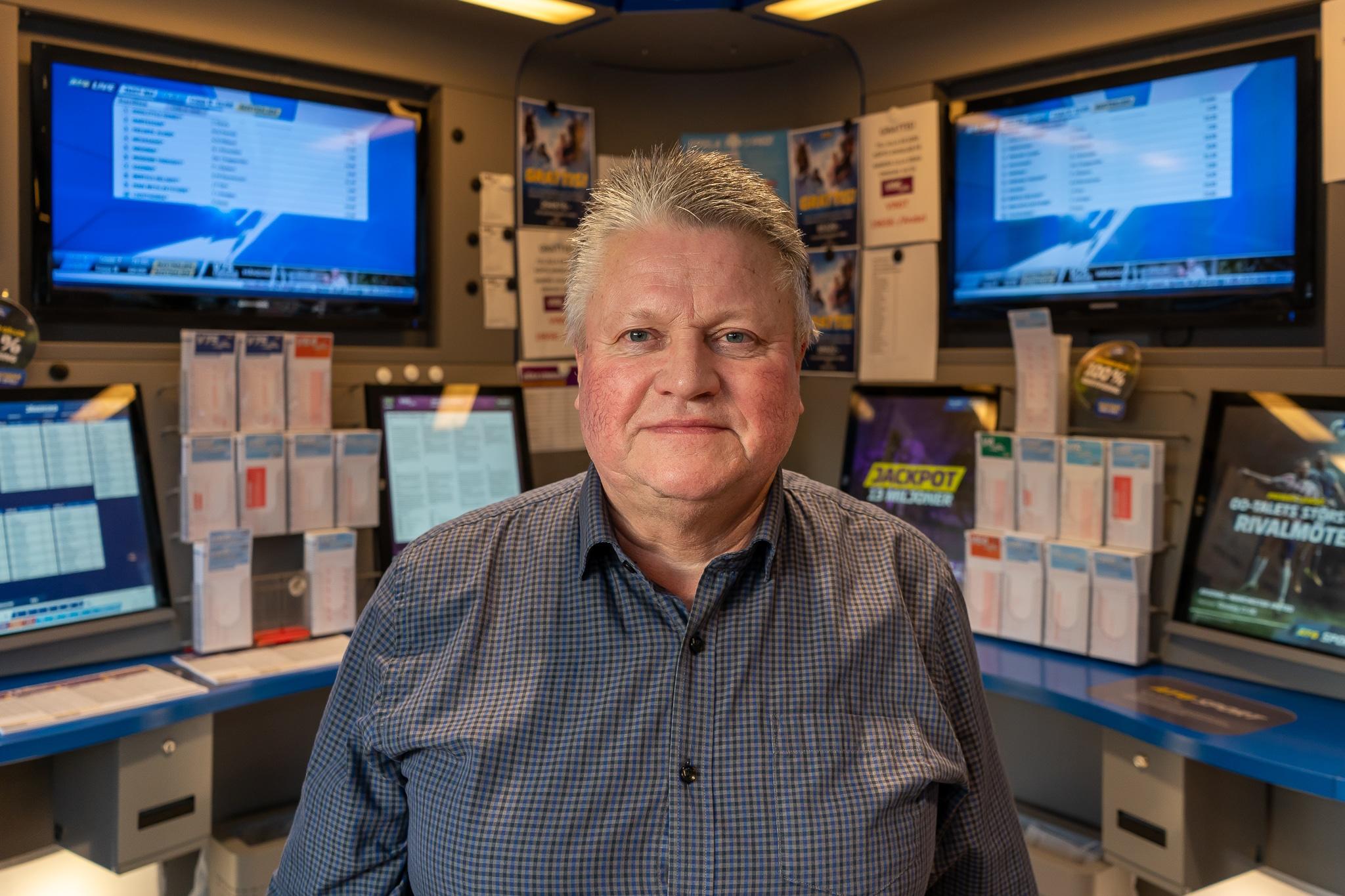 Bengt-Arne Baben Persson, spelexpert hos ICA Supermarket Sveg. Foto: Morgan Grip