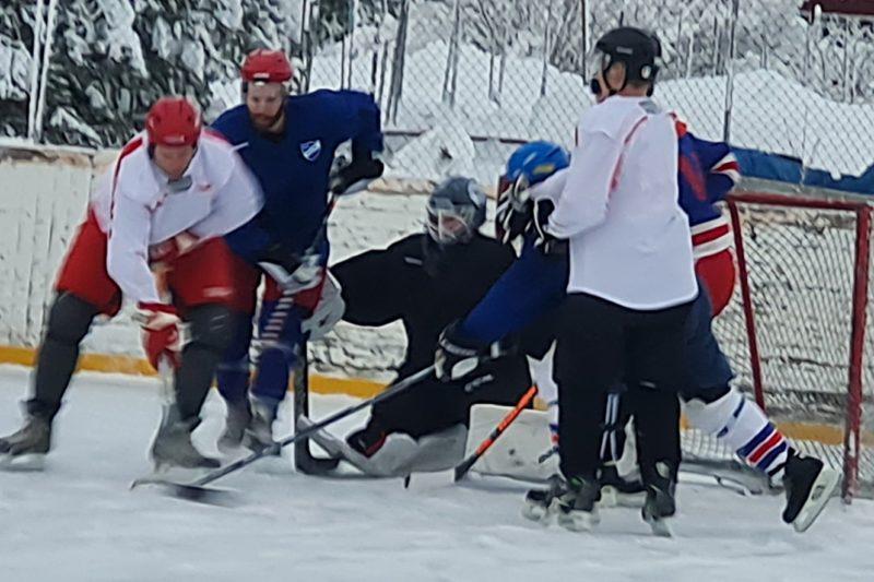 Nostalgihockey mot Vemhån inledde Lillhärdals IF:s hundraårsfirande