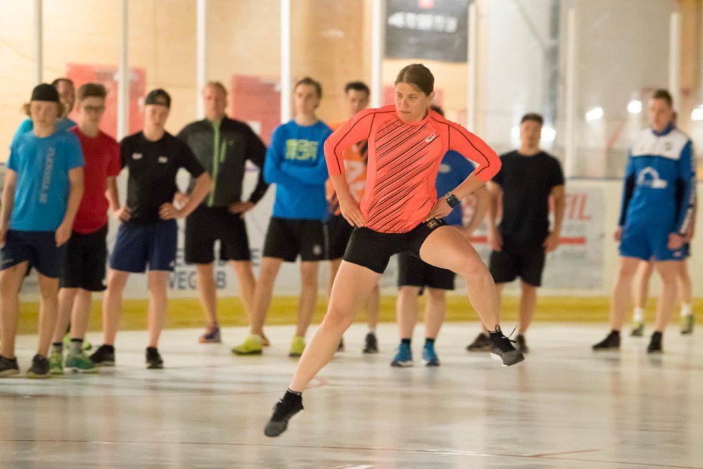 Ida Ingemarsdotter drillade Svegs IK:s hockeykrigare