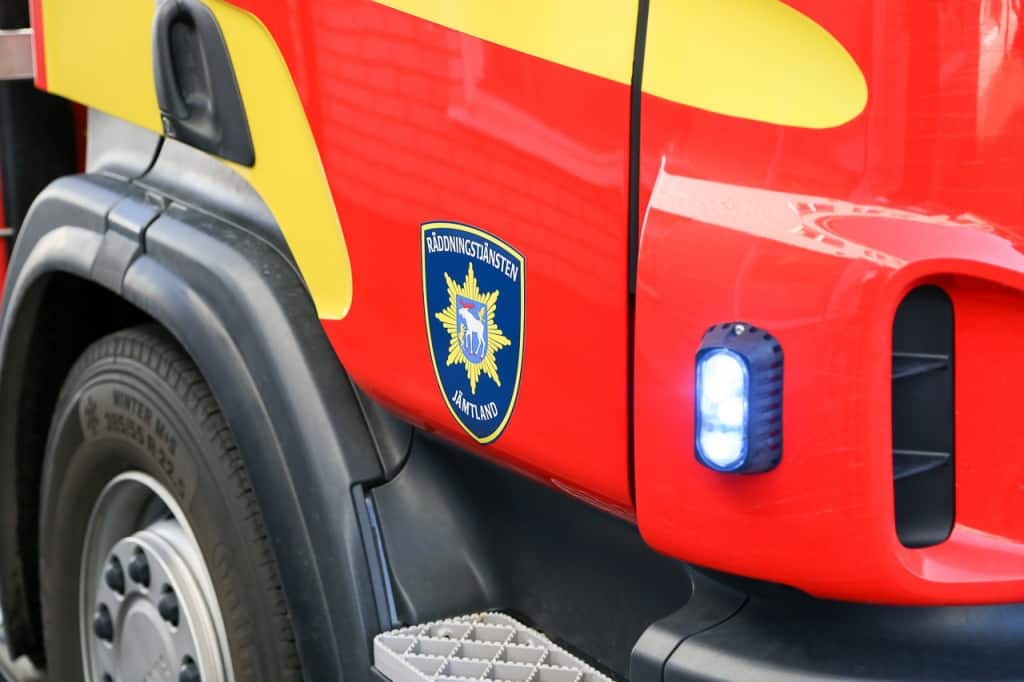 Räddningstjänsten larmades till båtbrand utanför Lillhärdal