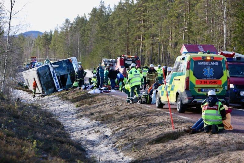 Allvarlig bussolycka på E45 i höjd med Siksjön. Foto: Morgan Grip