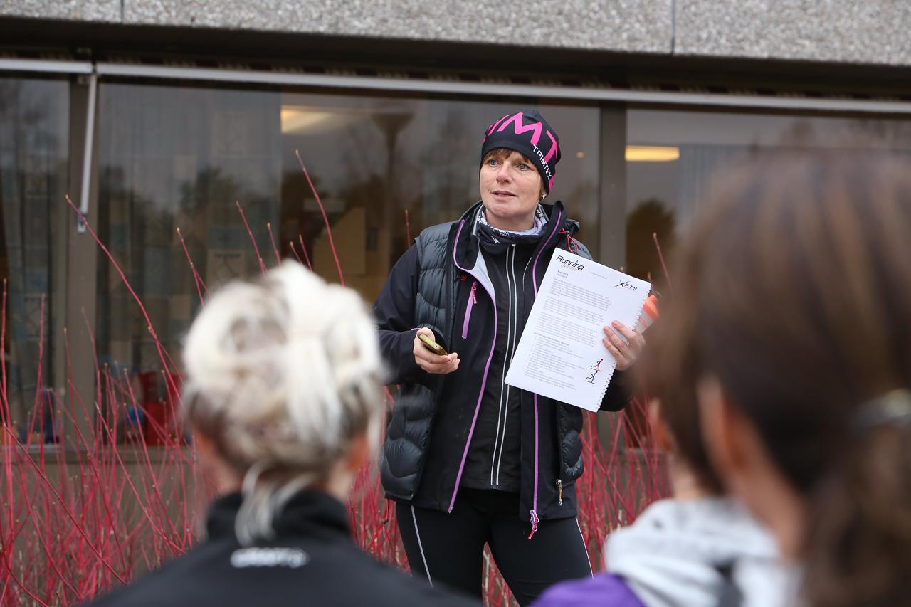 Annica Korsby instruerade ett femtiotal glada löpare i löpteknik. Foto: Morgan Grip